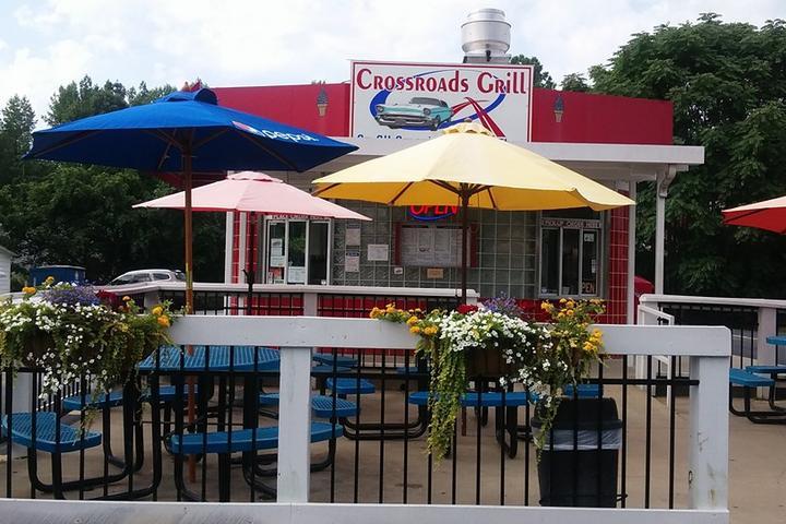 Pet Friendly Crossroads Grill