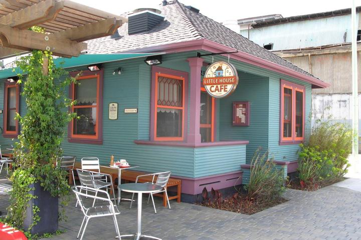 Pet Friendly Little House Cafe