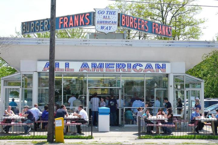 Pet Friendly All American Hamburger Drive - In