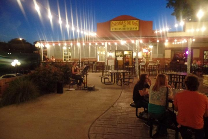 Dog Friendly Restaurants in Belton, TX - Bring Fido