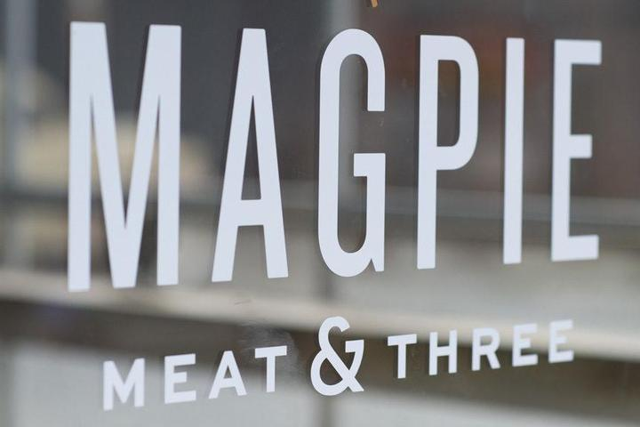 Pet Friendly Magpie Meat & Three