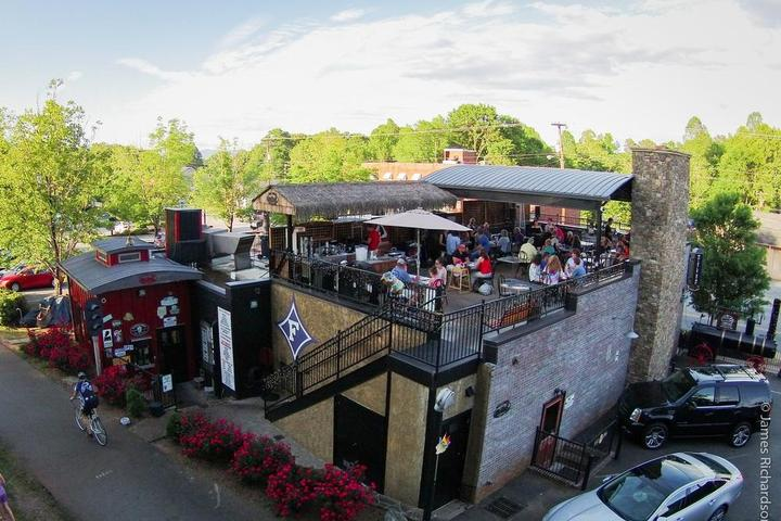 Pet Friendly The Whistle Stop at The American Cafe