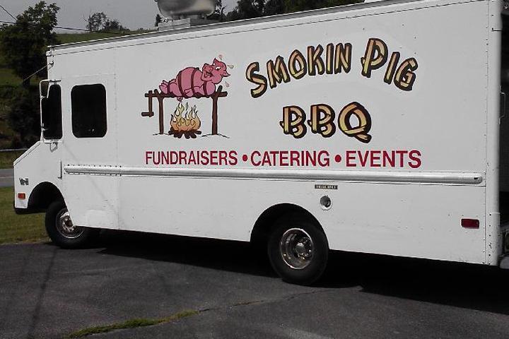 Pet Friendly Smokin' Pig BBQ