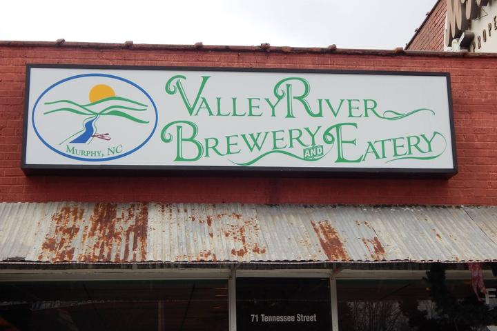Pet Friendly Valley River Brewery & Eatery