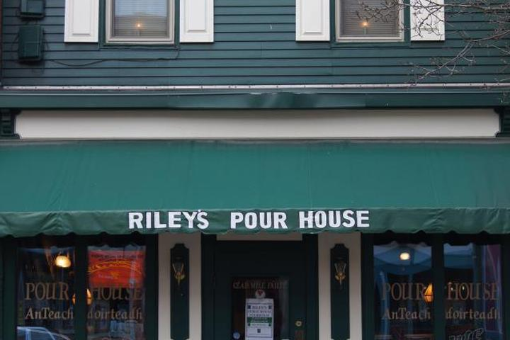 Pet Friendly Riley's Public Pour House