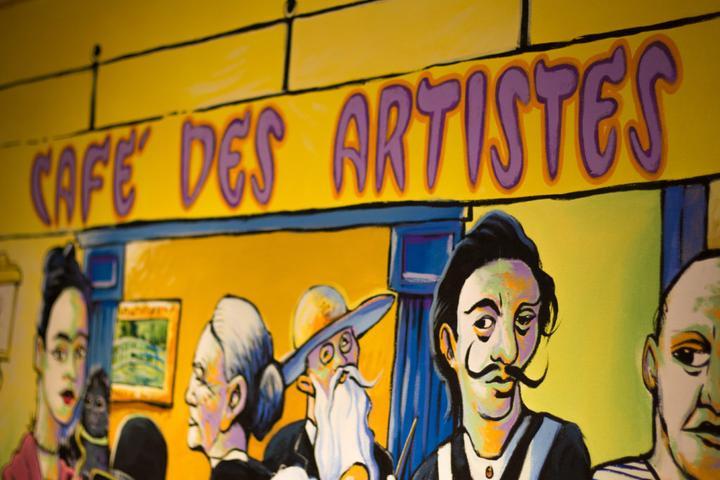 Pet Friendly Cafe des Artistes