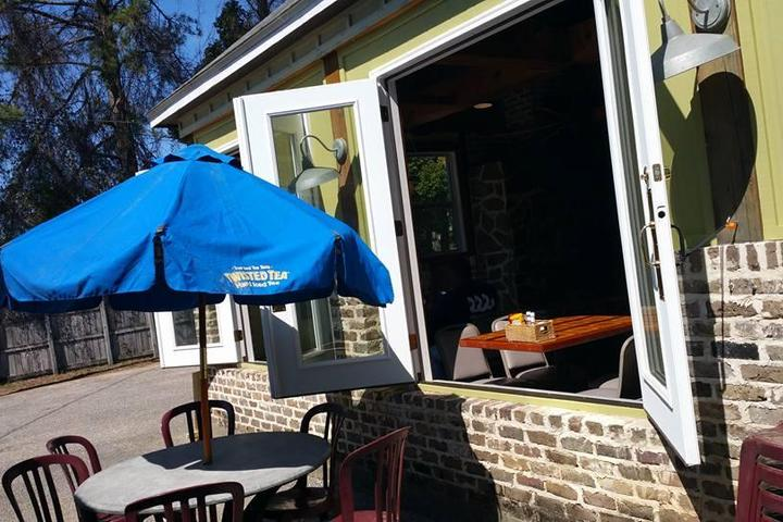 Dog Friendly Restaurants in Daphne, AL - Bring Fido