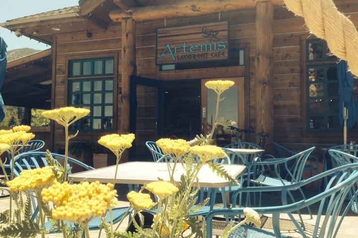 Pet Friendly Artemis Lakefront Cafe