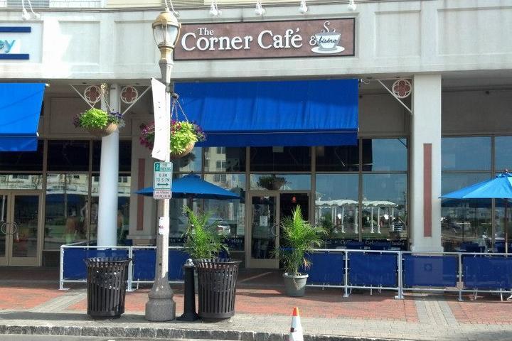 Pet Friendly Corner Cafe and Bistro