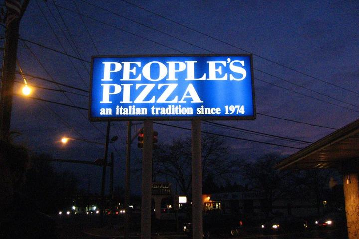 Pet Friendly Peoples Pizza