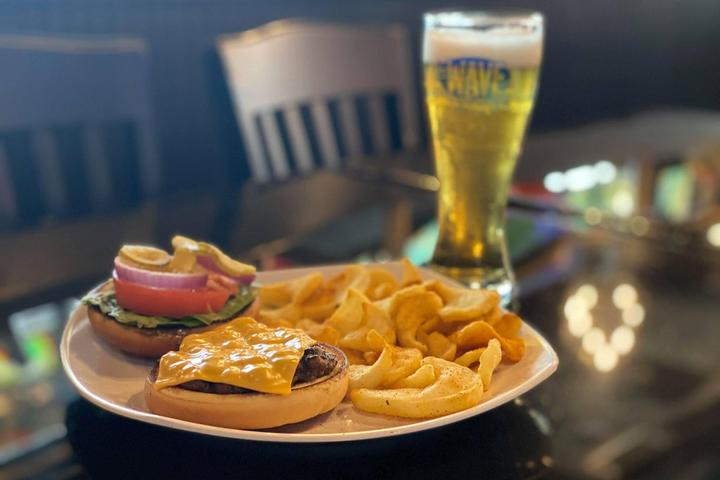 Pet Friendly The Wave Bar And Grill