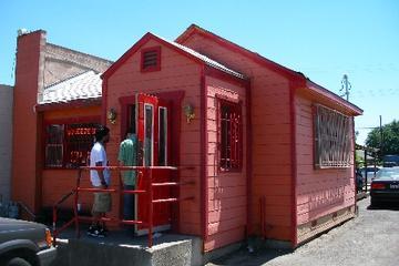 Pet Friendly Squeeze Inn