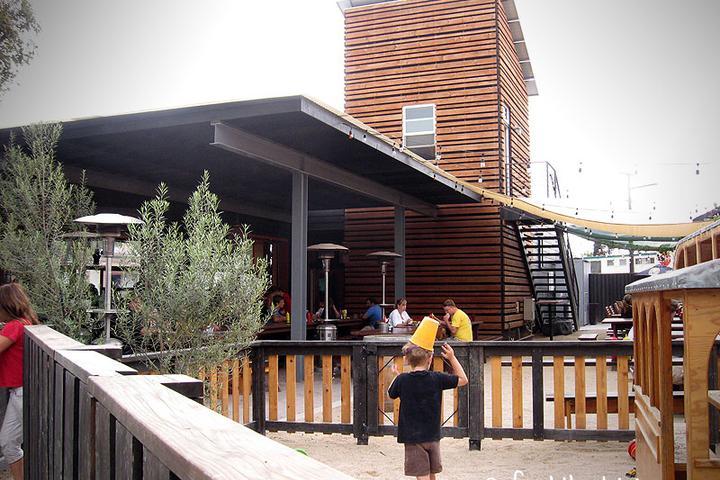 Pet Friendly Station Tavern & Burgers