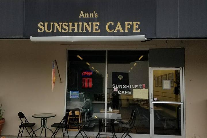 Pet Friendly Ann's Sunshine Cafe
