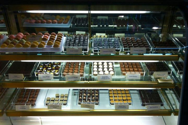 Pet Friendly JJ's Ice Cream Parlor and Chocolate Shop