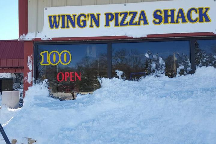 Pet Friendly Wing N Pizza Shack