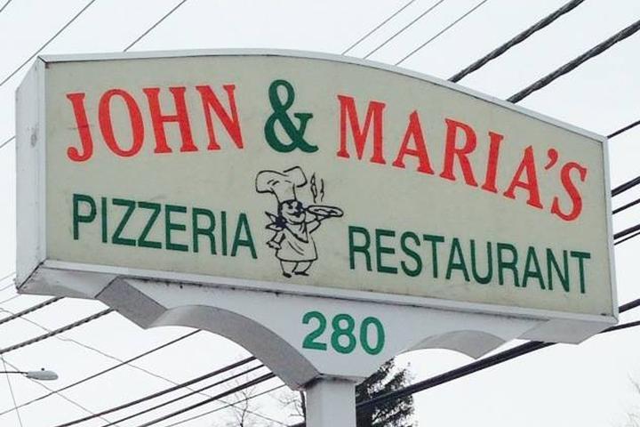 Pet Friendly John & Maria Pizzeria