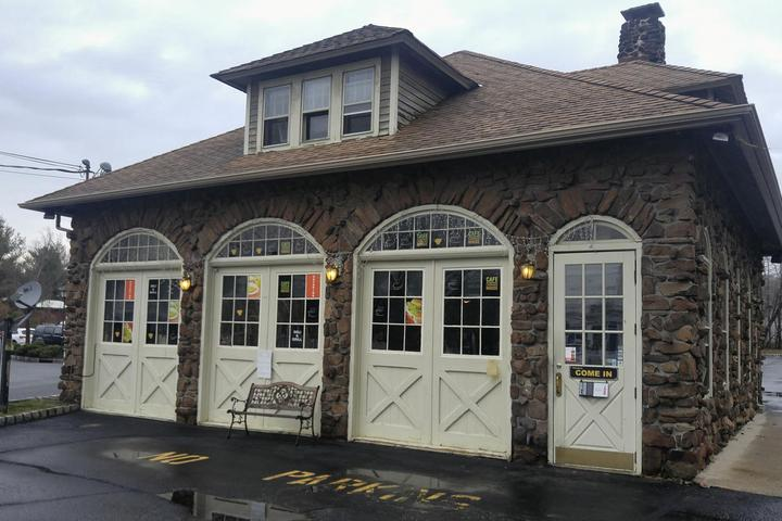 Pet Friendly Cafe Carriage House