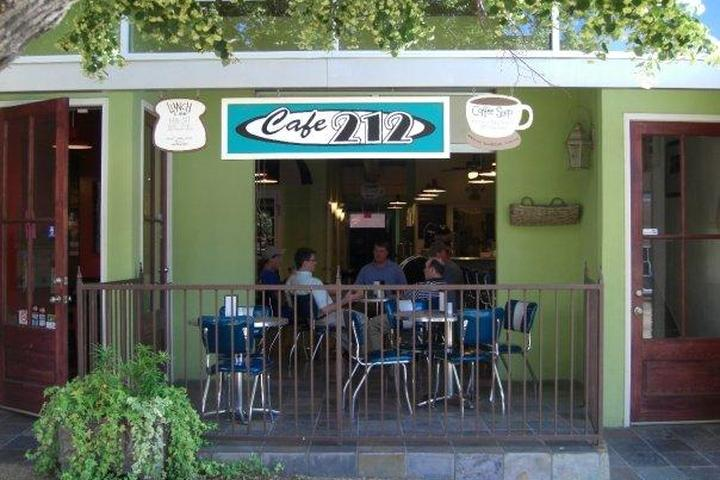 Pet Friendly Cafe 212