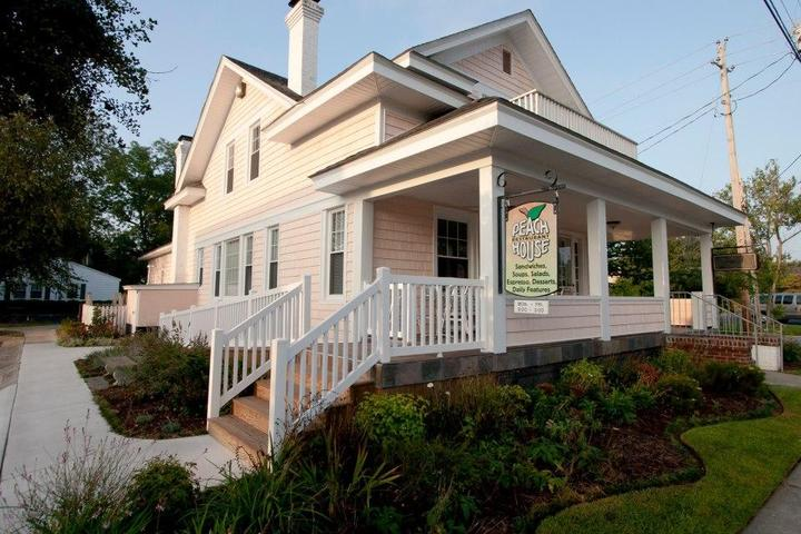 Pet Friendly Peach House Restaurant