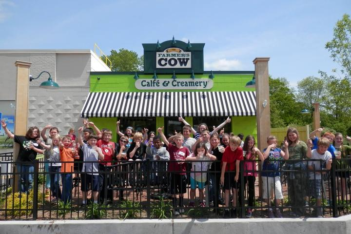 Pet Friendly Farmer's Cow Calfe & Creamery