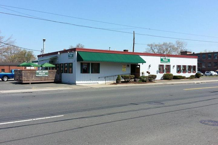Pet Friendly West Main Pizza Incorporated