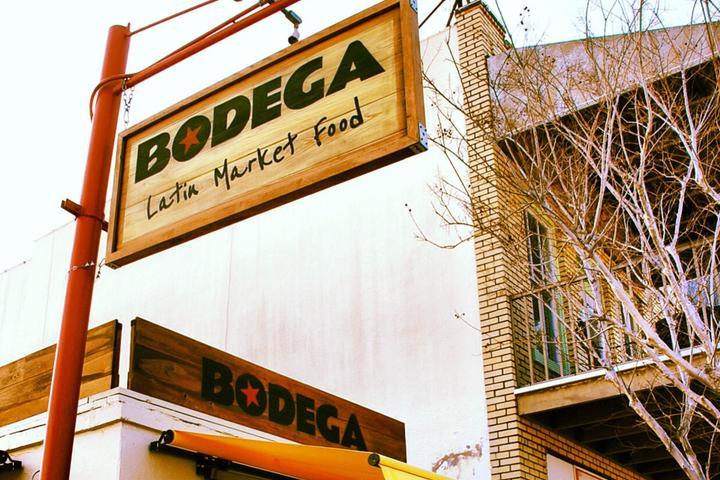 Pet Friendly Bodega Comida Cantina Cafe