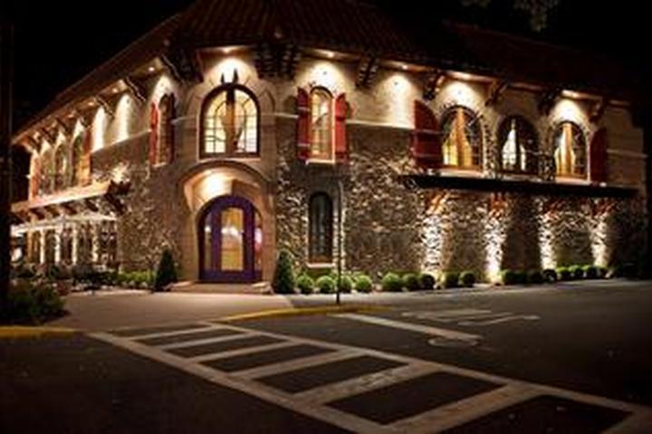 Dog Friendly Restaurants in Montville, NJ - Bring Fido