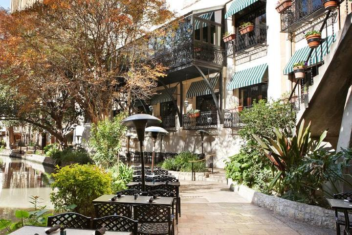 Pet Friendly Landry's Seafood House on the Riverwalk