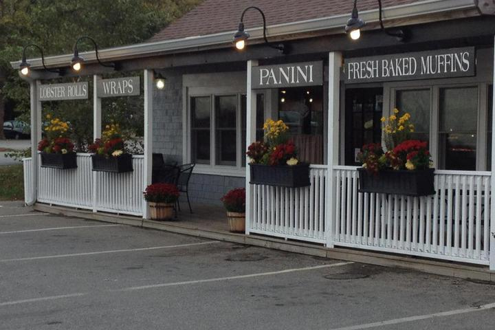 Pet Friendly Anna D's Cafe and Ice Cream