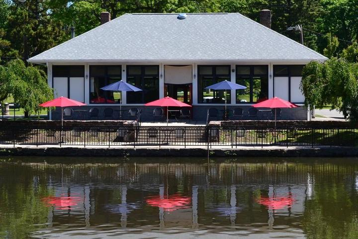 Pet Friendly Boathouse Cafe