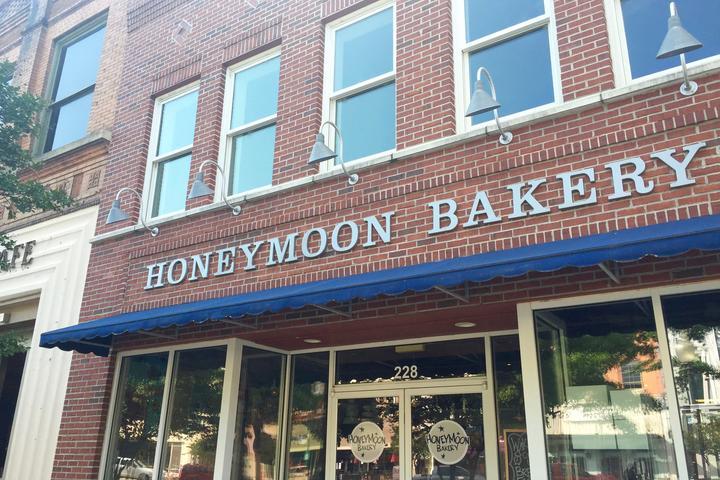 Pet Friendly HoneyMoon Bakery
