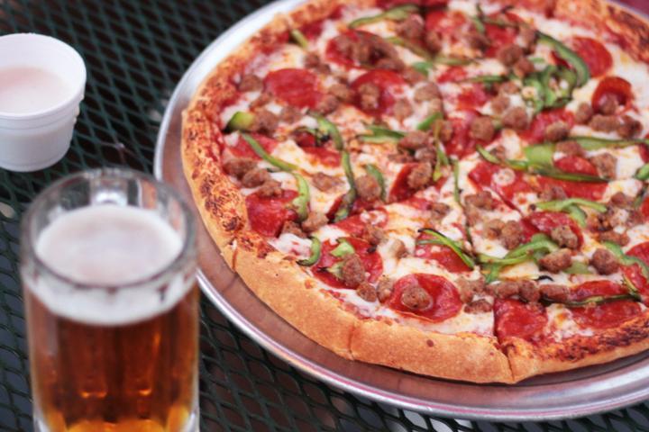 Pet Friendly Lake Arrowhead Pizza