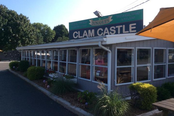 Pet Friendly Donahue's Clam Castle