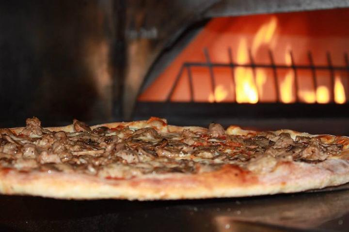 Pet Friendly Amici's East Coast Pizzeria