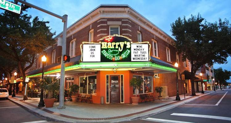 Harry S Seafood Bar Grille Is Pet Friendly
