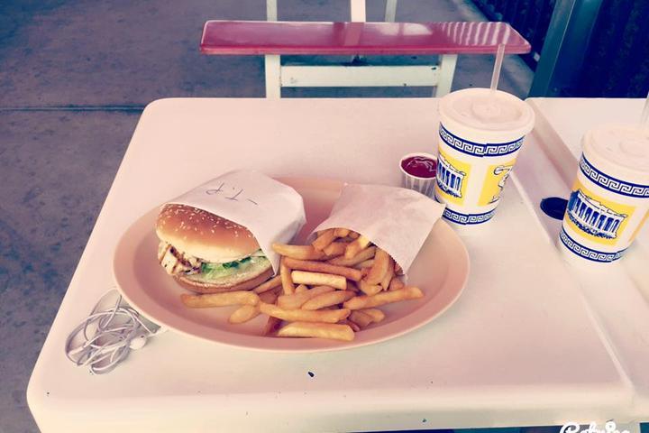 Pet Friendly Johnnie's Jr Burgers