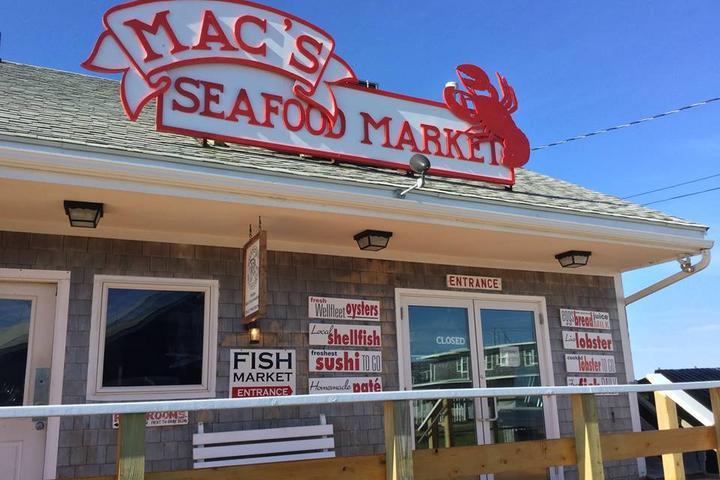 Pet Friendly Mac's Market & Kitchen
