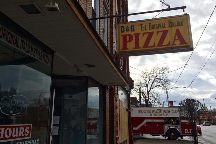 Pet Friendly D & G Pizza n Subs