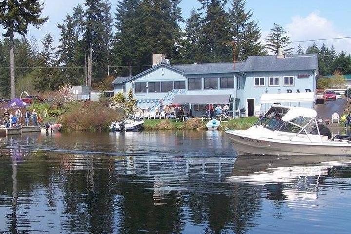 Pet Friendly Spencer Lake Bar & Grill