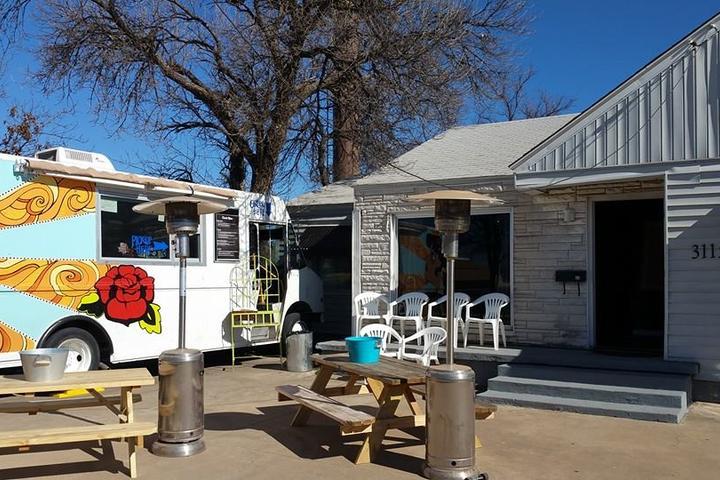 Dog Friendly Restaurants in Wichita Falls, TX - Bring Fido