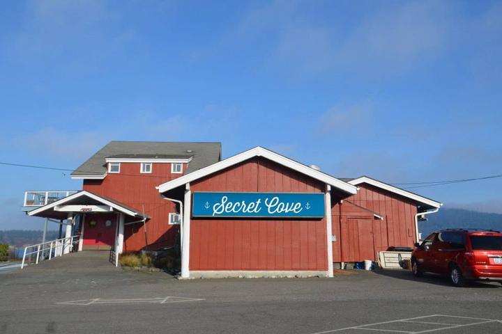 Pet Friendly Secret Cove Restaurant