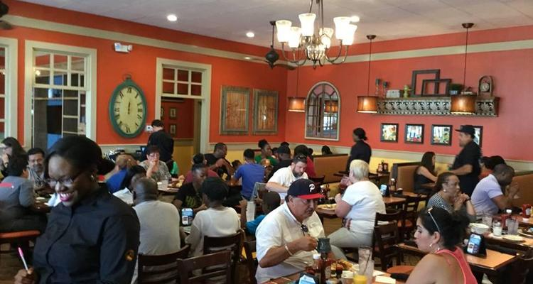 Another Broken Egg Cafe Is Pet Friendly